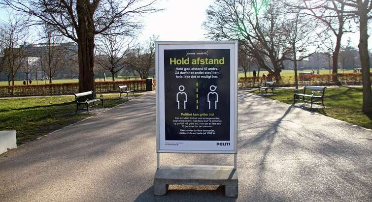 Hold afstand-plakat_CB